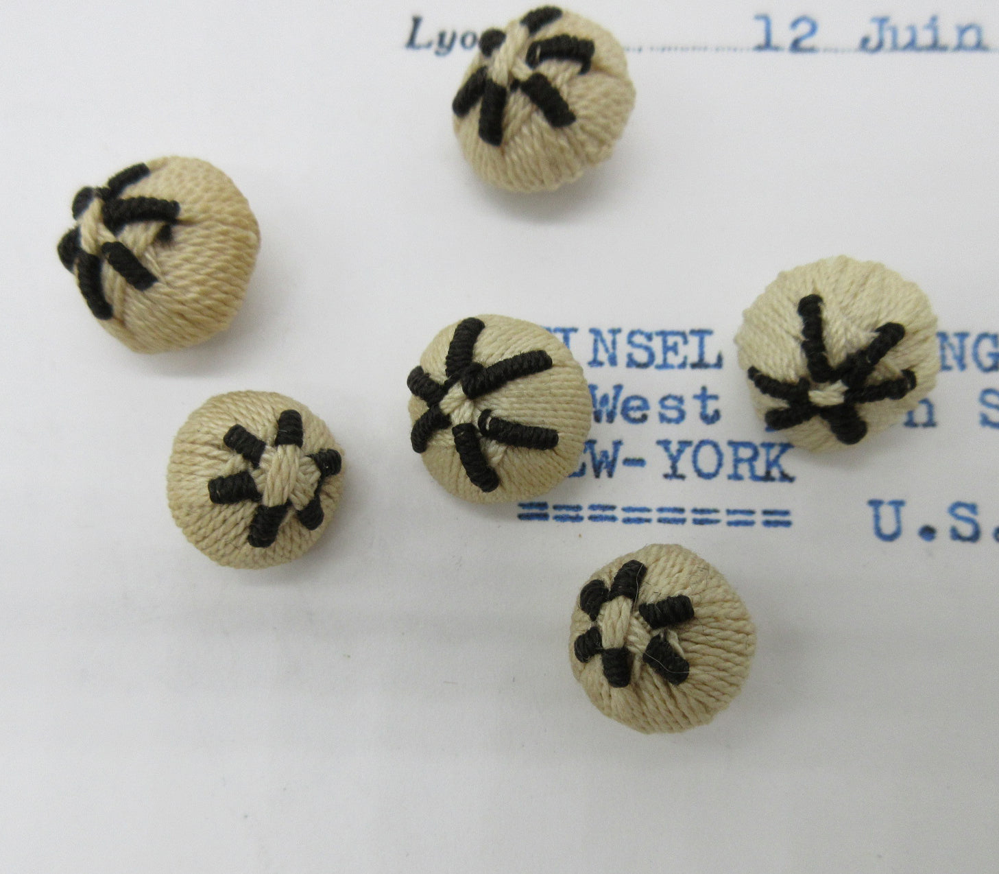 Cream/Black Star Buttons 6 Pcs