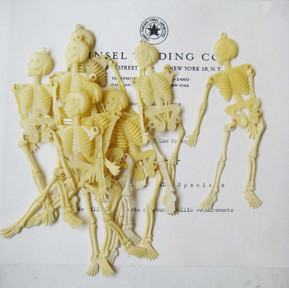 Plastic Skeletons 10 pcs