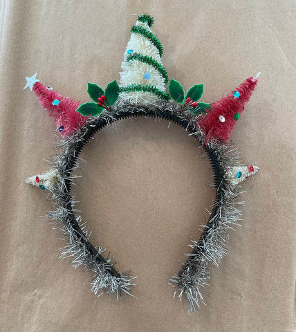 Holiday Tree -ara Crown Kit
