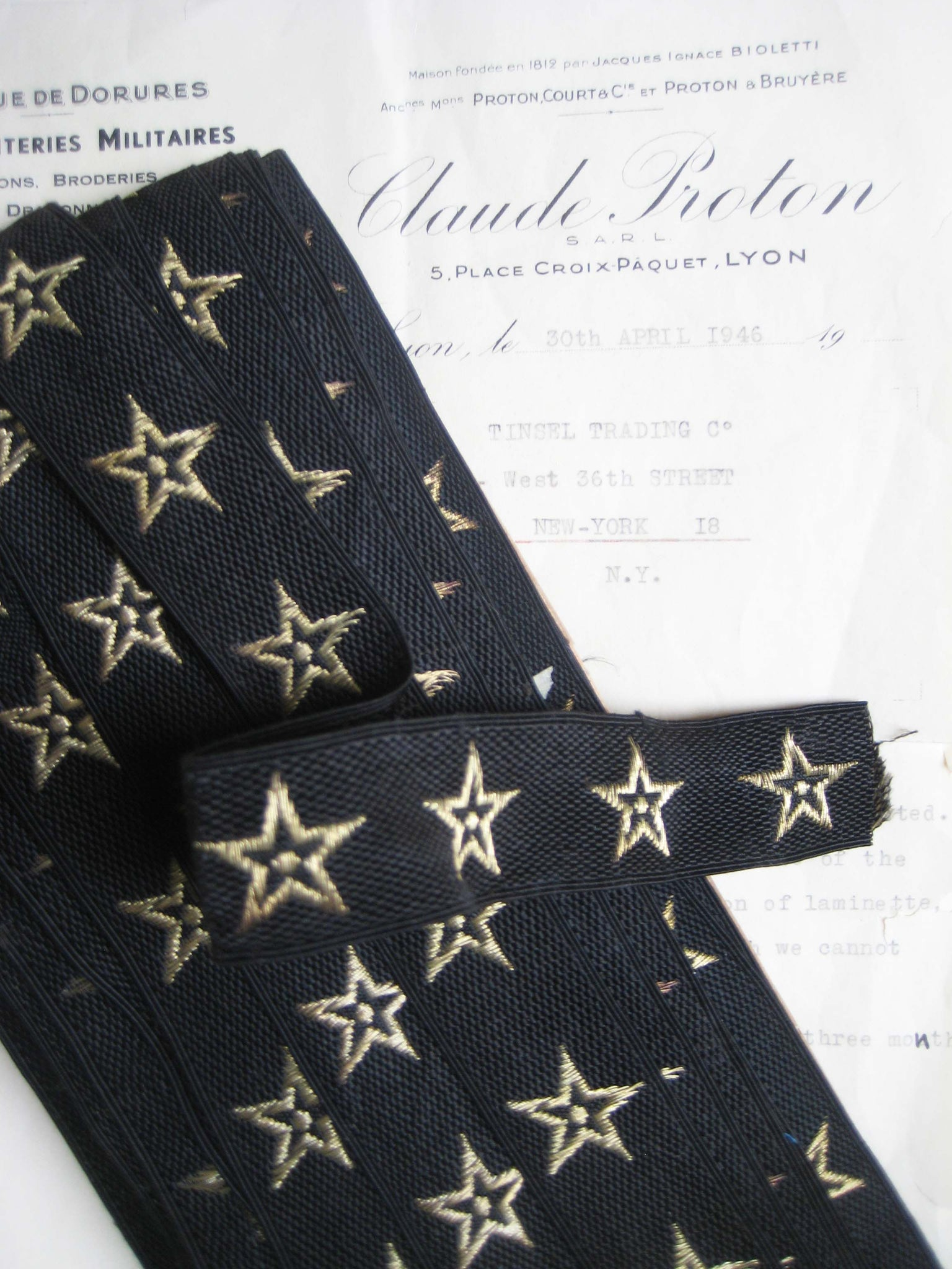 Black w/Gold Metallic Stars