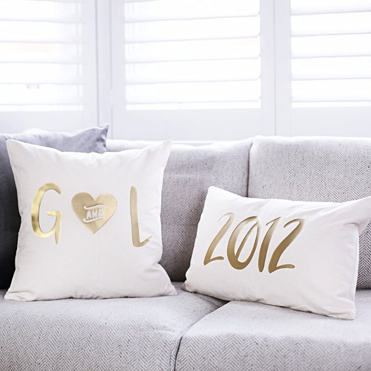 WEDDING DATE CUSHION SET