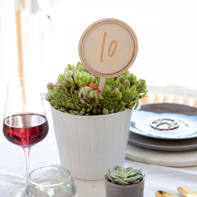 CIRCULAR WEDDING TABLE NUMBERS