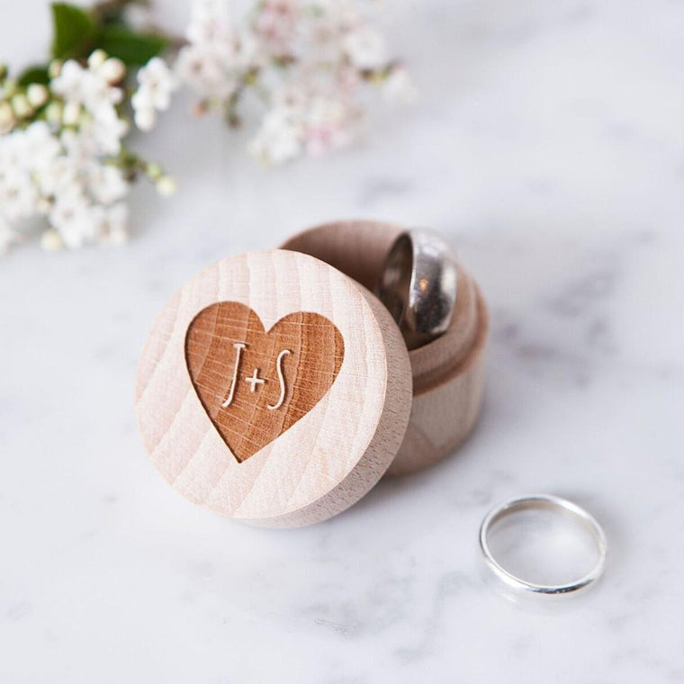 COUPLES HEART WEDDING RING BOX
