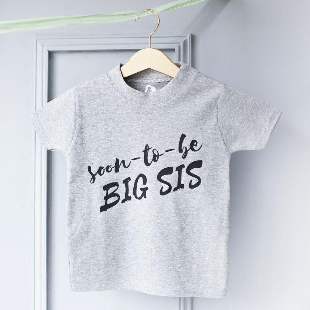 BIG SIS BABY ANNOUNCEMENT T-SHIRT-clouds-and-currents