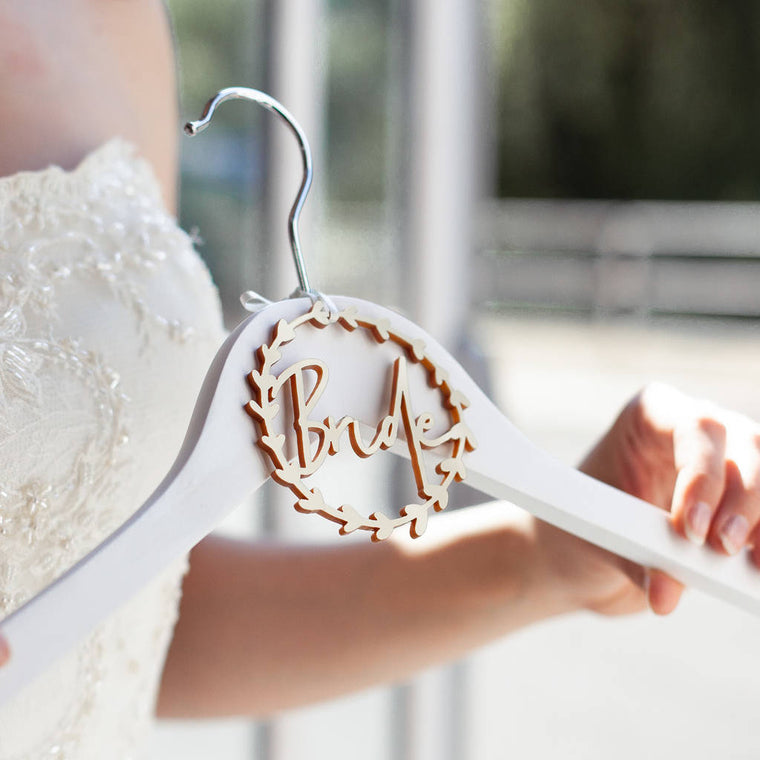WREATH BRIDE HANGER CHARM