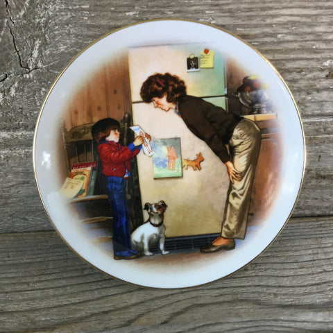 Avon Mother's Day Plate Special Memories by Tom Newsom 1985