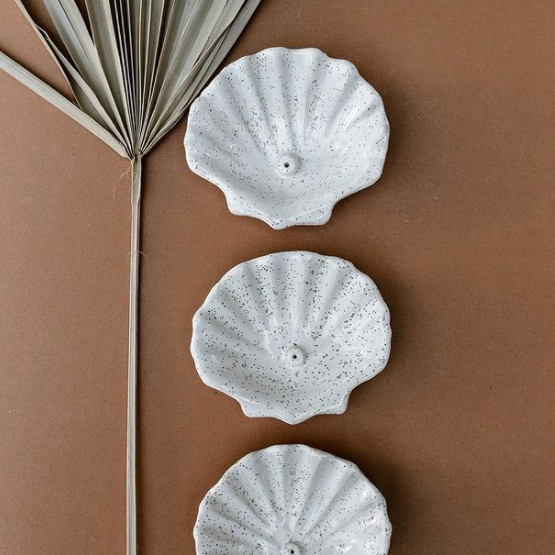 Shell Incense Holder - White Speckle