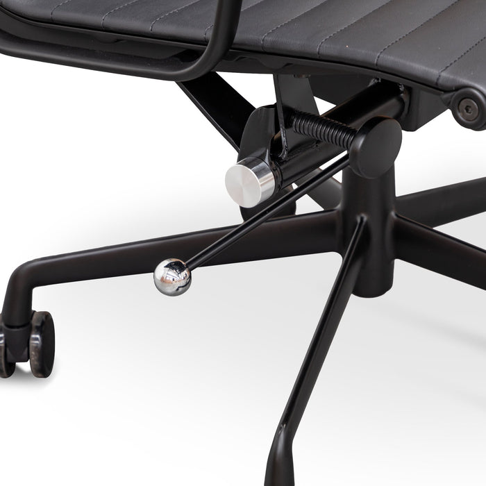 Executive Office Chair - Eames Replica - Full Black