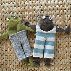 knitted Frog and Toad