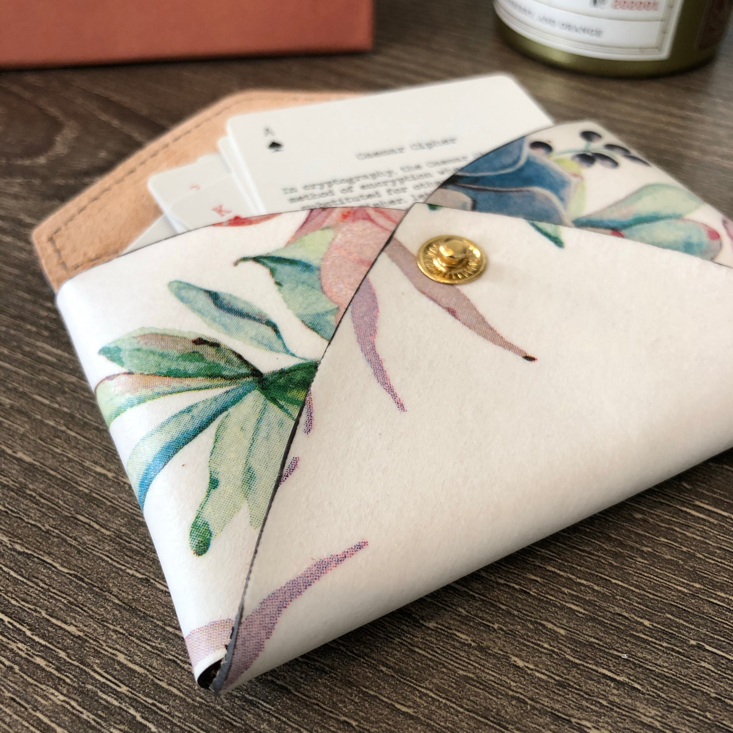 White & Flowers Envelope Card Holder Leather Wallet