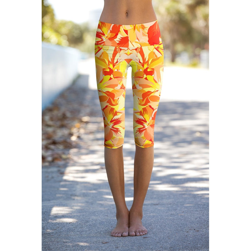 Flaming Hibiscus Ellie Yellow Performance Yoga Capri Leggings - Women