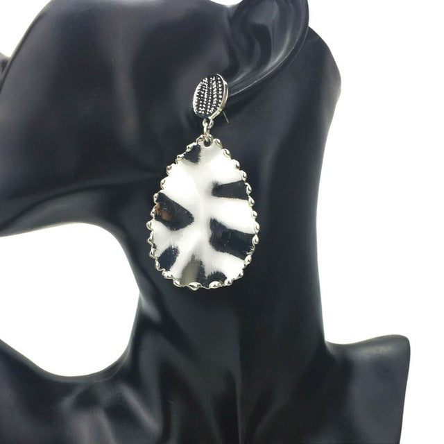 Kali Drop Earrings - NaturaleeChicBoutique