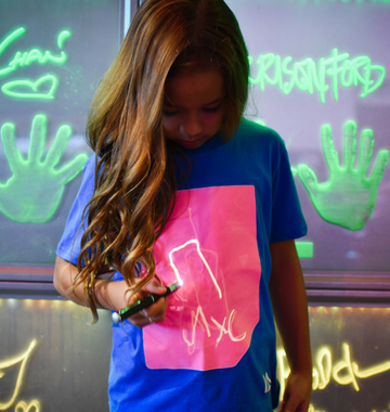 Kids Interactive Super Glow T-shirt | Royal Blue & Pink