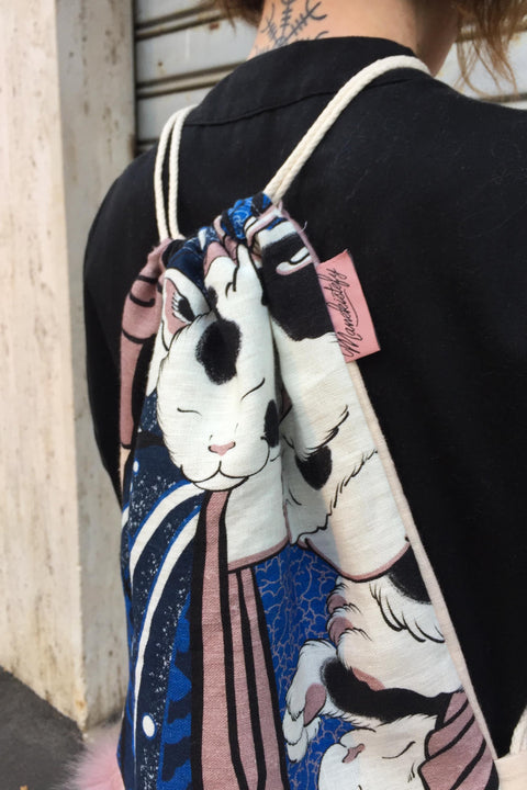 Geisha with cats, back-sack by Manekistefy & Shiryu