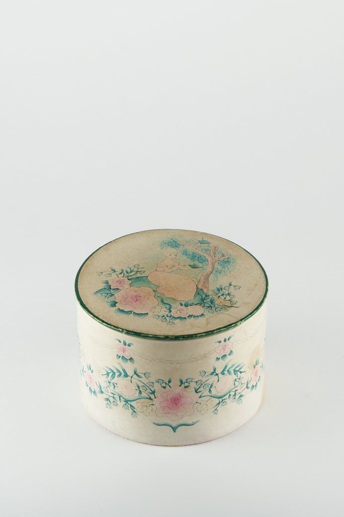 Vintage Powder Box #L