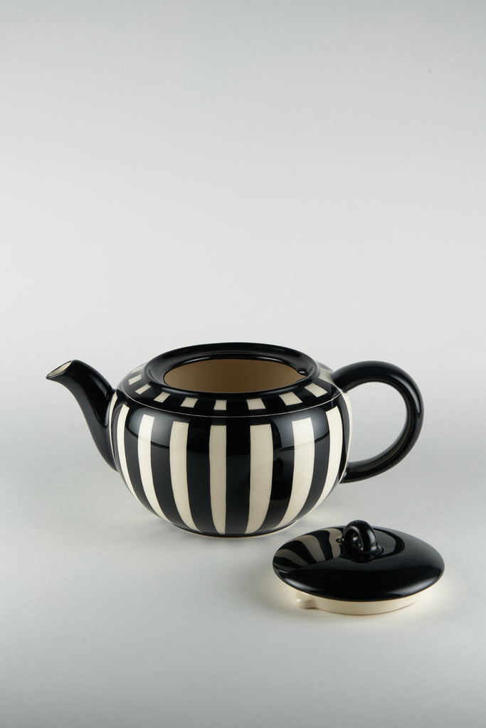 Tea Pot by Hedwig Bollhagen