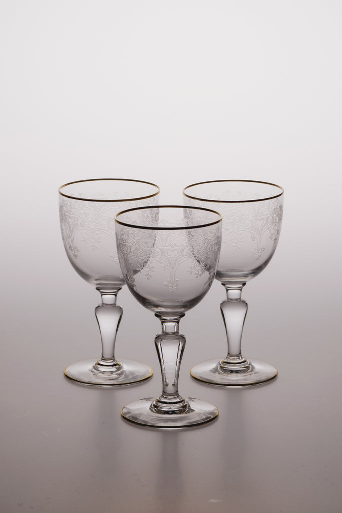 Trefle Gold Rim Wine Glass by Baccarat