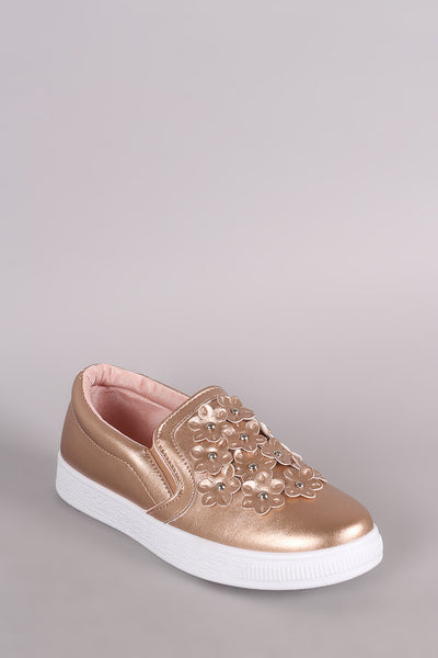 Floral Applique Round Toe Slip-On Sneaker