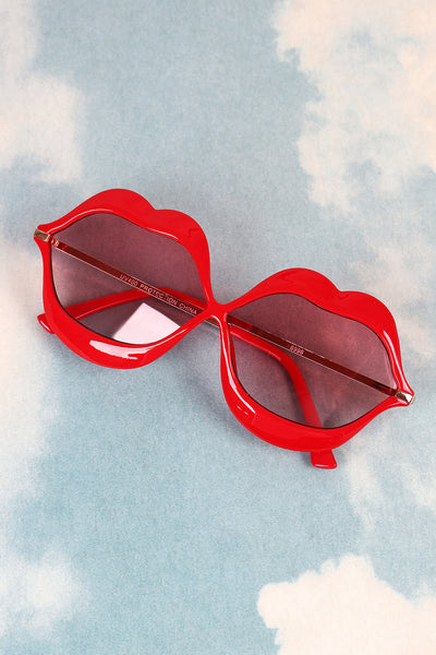 Lip Shape Frame Sunglasses