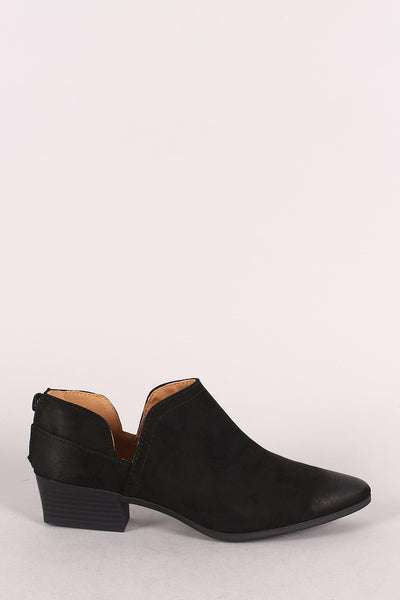 Qupid Suede Cutout Oil Finish Pointy Toe Ankle Booties