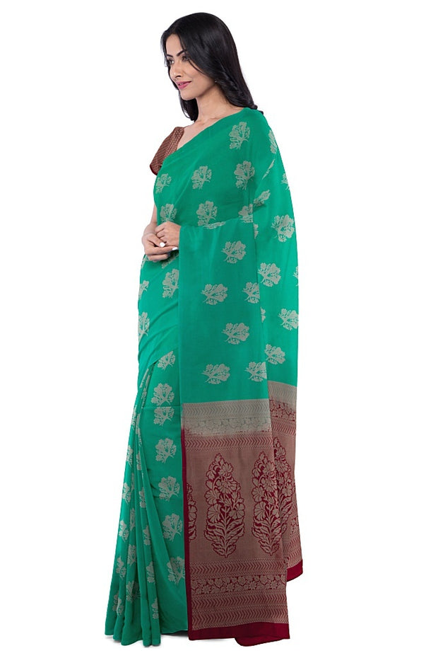 SIGNORAA GREEN KANCHIPURAM SILK SAREE-KSL02571- Model View