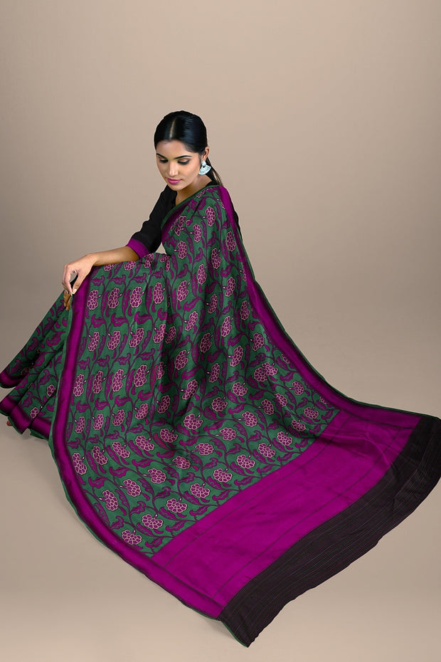 SIGNORAA GREEN BANARASI SILK SAREE-BSK03842- Model View