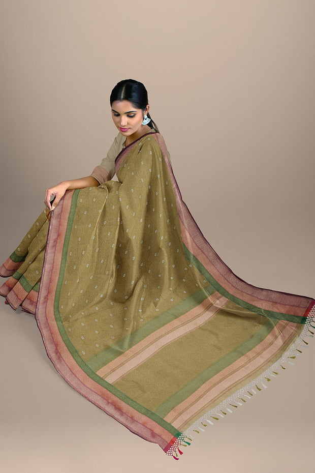 SIGNORAA BEIGE BANARASI SILK SAREE-BSK08717B- Model View 2