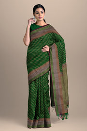 SIGNORAA GREEN BANARASI SILK SAREE-BSK08720- Model View