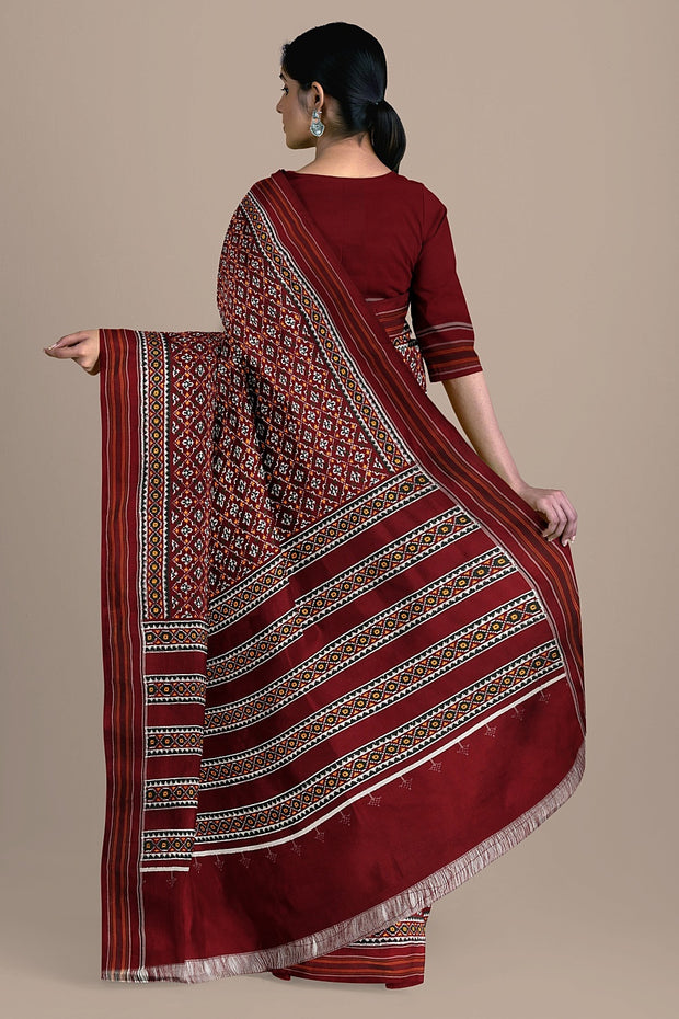 SIGNORAA MAROON SINGLE IKAT SILK SAREE-RPT00743- Model View 2