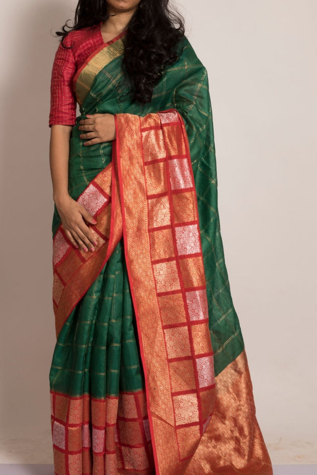 SIGNORAA BOTTLE GREEN BANARASI TUSSAR SILK SAREE-BSK08956- Model View