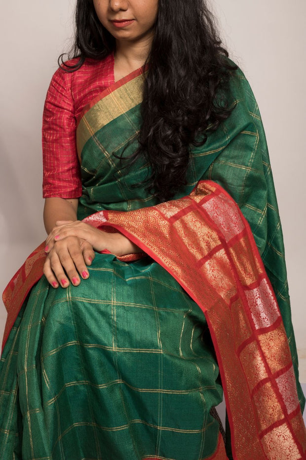 SIGNORAA BOTTLE GREEN BANARASI TUSSAR SILK SAREE-BSK08956- Model View 1