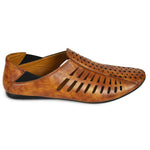 Kolapuri Centre Tan Slip-On Jutis