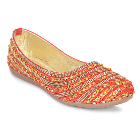 Kolapuri Centre Women's Red Jutis
