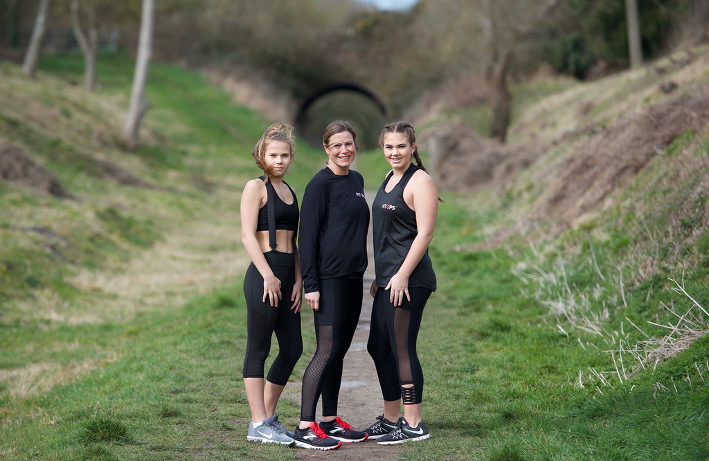 FITUPS founder and models wearing braces to stop leggings falling down
