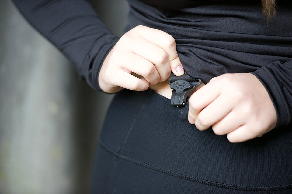 Clips showing how they attach to leggings to stop them falling down