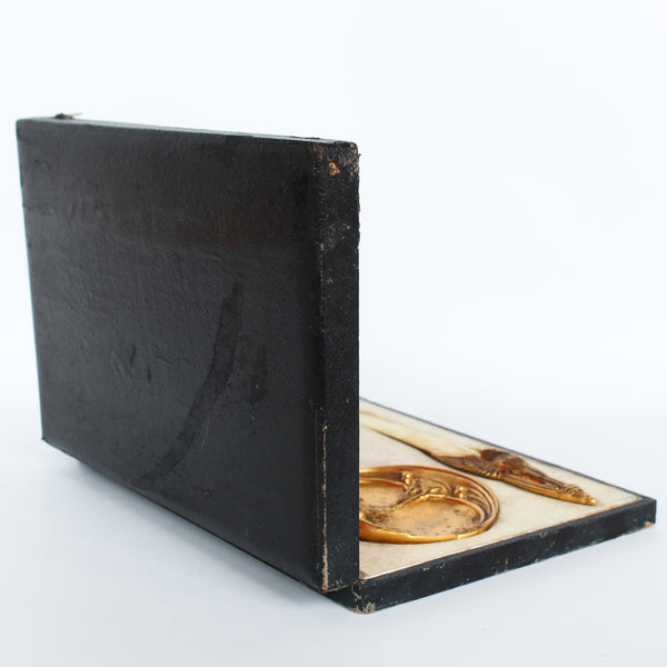"A gilt bronze and onyx in a bird motif, including letter opener and inkwell tray. In fitted presentation case. All signed, ""Frecourt"". Maurice Frecourt (French 1890) at Jeroen Markies"