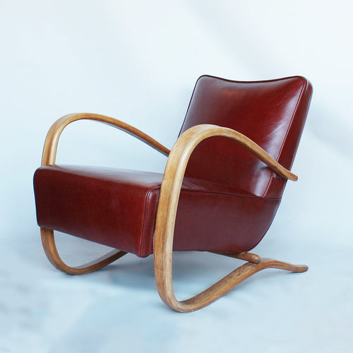 A pair of Jindrich Halabala lounge chairs at Jeroen Markies