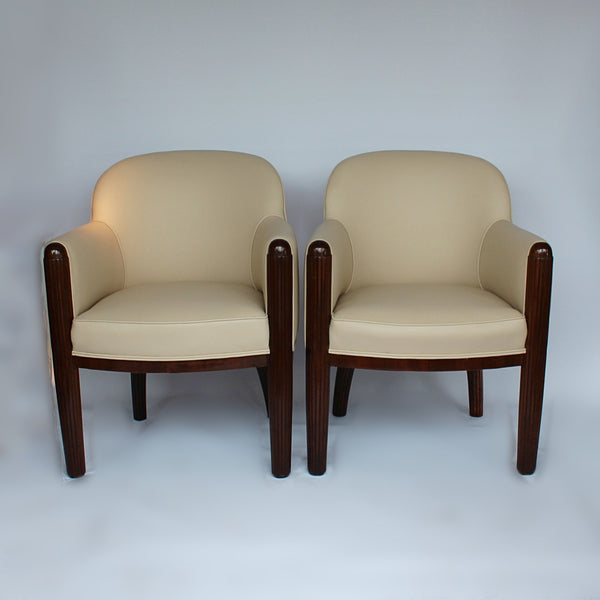 Art Deco club chairs  in walnut and leather at Jeroen Markies