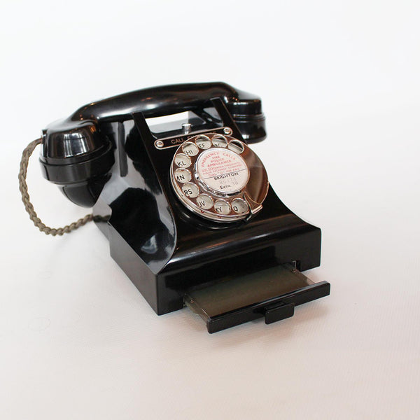 GPO 1950s black bakelite telephone at Jeroen Markies