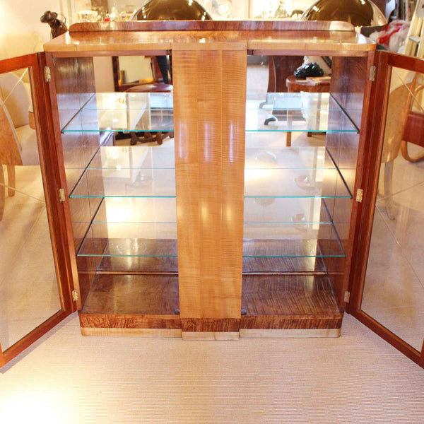 Epstein Art Deco display cabinet with fluted front at Jeroen Markies