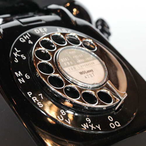 An original GPO model 706 telephone in black at Jeroen Markies