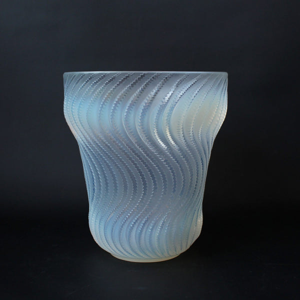 Art Deco Lalique Actinia vase with swirling pattern circa 1930 at Jeroen Markies