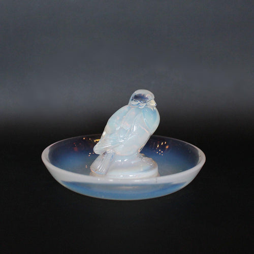 Rene Lalique Art Deco Moineau Sparrow glass dish circa 1925 at Jeroen Markies