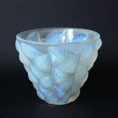 Art Deco Rene Lalique Moissac vase with geometric leaves at Jeroen Markies