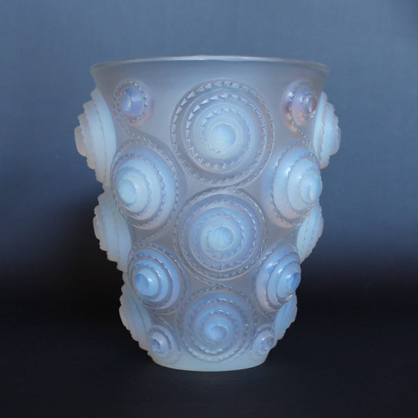 Art Deco Lalique spirales vase at Jeroen Markies
