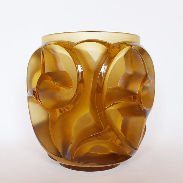 Rene Lalique Art Deco Tourbillons vase in amber glass at Jeroen Markies
