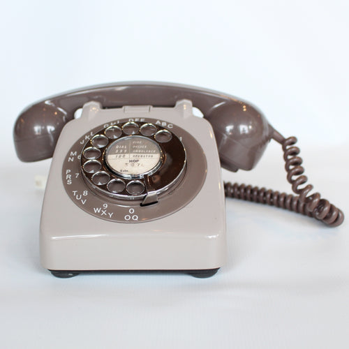 Two-tone Grey GPO model 706 telephone at Jeroen Markies