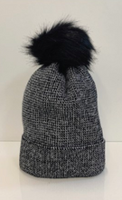 Load image into Gallery viewer, Metallic Knit Beanie With Detachable Pom Pom