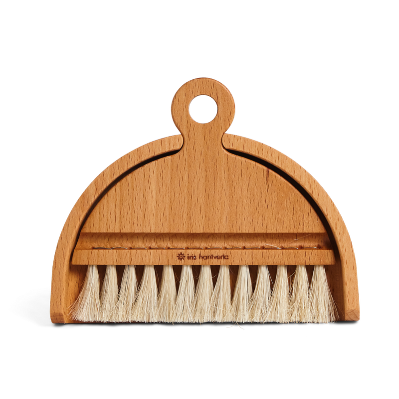 Iris Hantverk | Table Brush