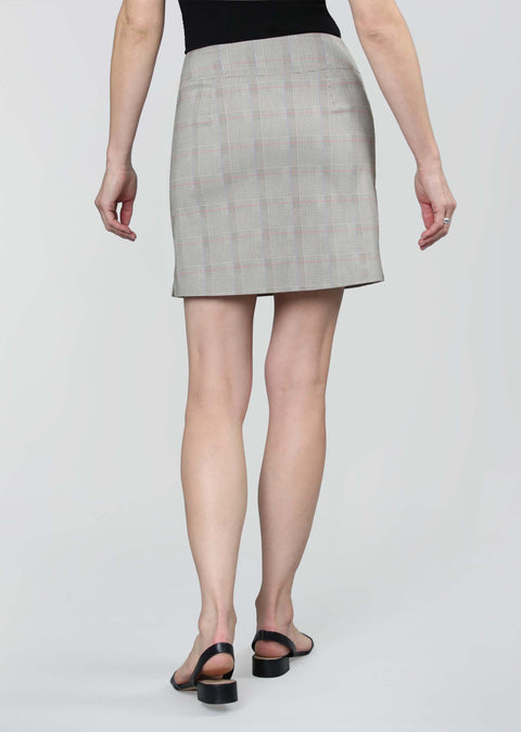 Vida Plaid Pattern 18' Skort With Pockets